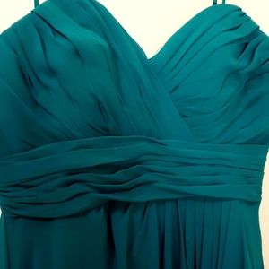 Long green dress strapless size 12  is like new